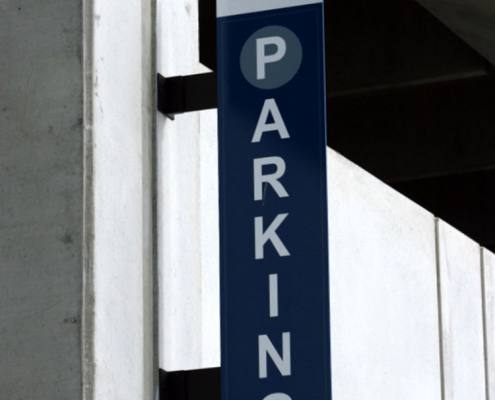 outdoor sign for free parking