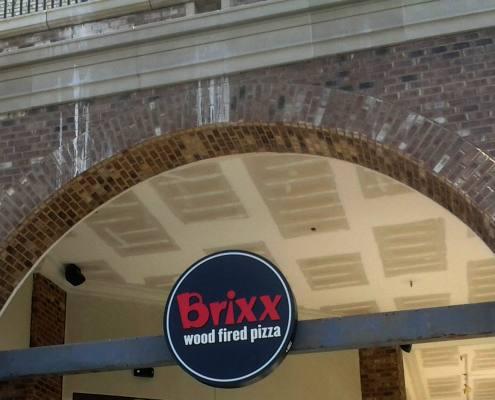 exterior building sign at brixx pizza